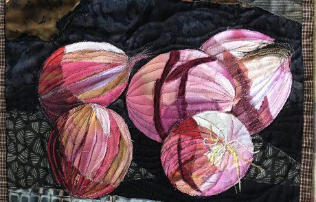 תמר דרוקר בצלים אדומים. Red Onions